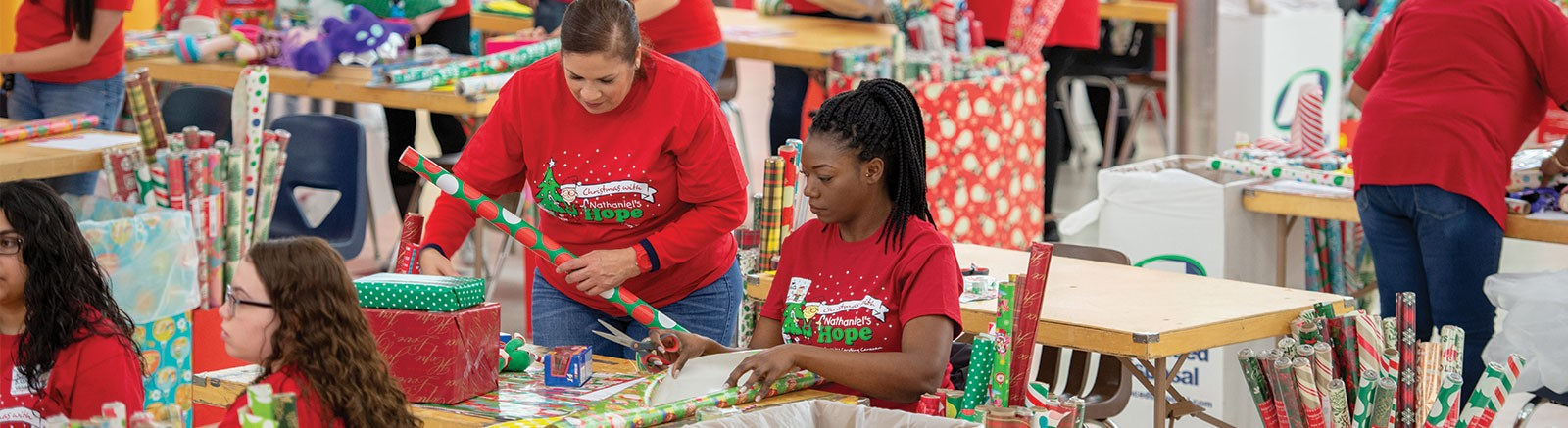 Volunteering On Christmas Day 2020 Orlando Christmas with Nathaniel's Hope | nathanielshope.org